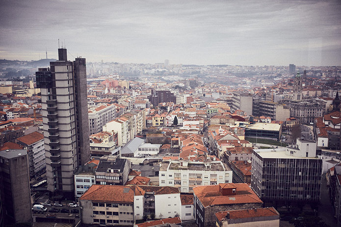 slanted_portugal_inesnepomuceno_danielsommer_00.jpg