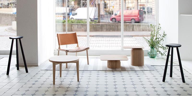 nikari-slanted-cafe-classic-rmj_january-table_xl-december_april-tables_cafe-classic-rmj_n-i-k-a-r-i.jpg