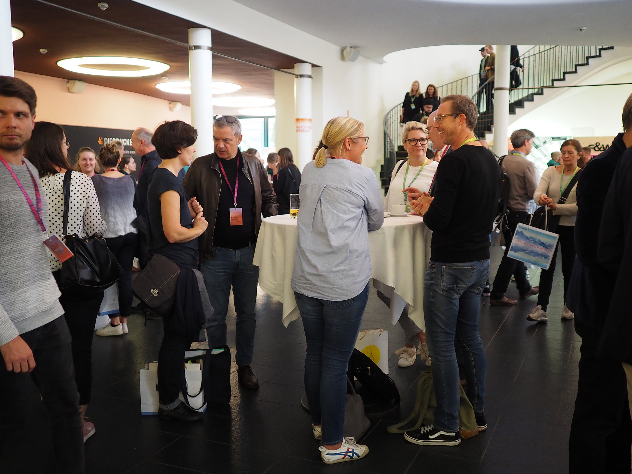 slanted-Creative-Paper-Conference-2018_31