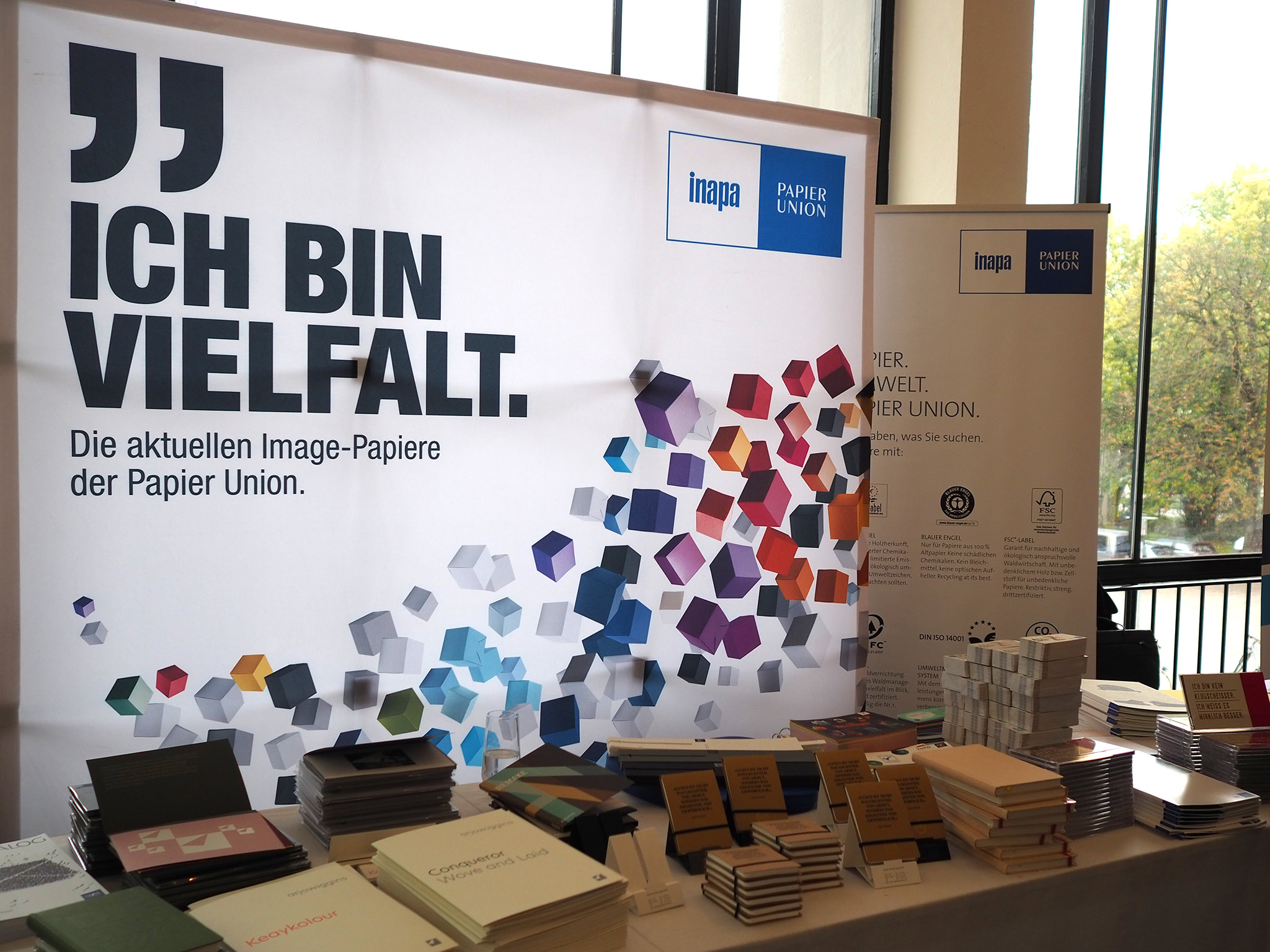 slanted-Creative-Paper-Conference-2018_46