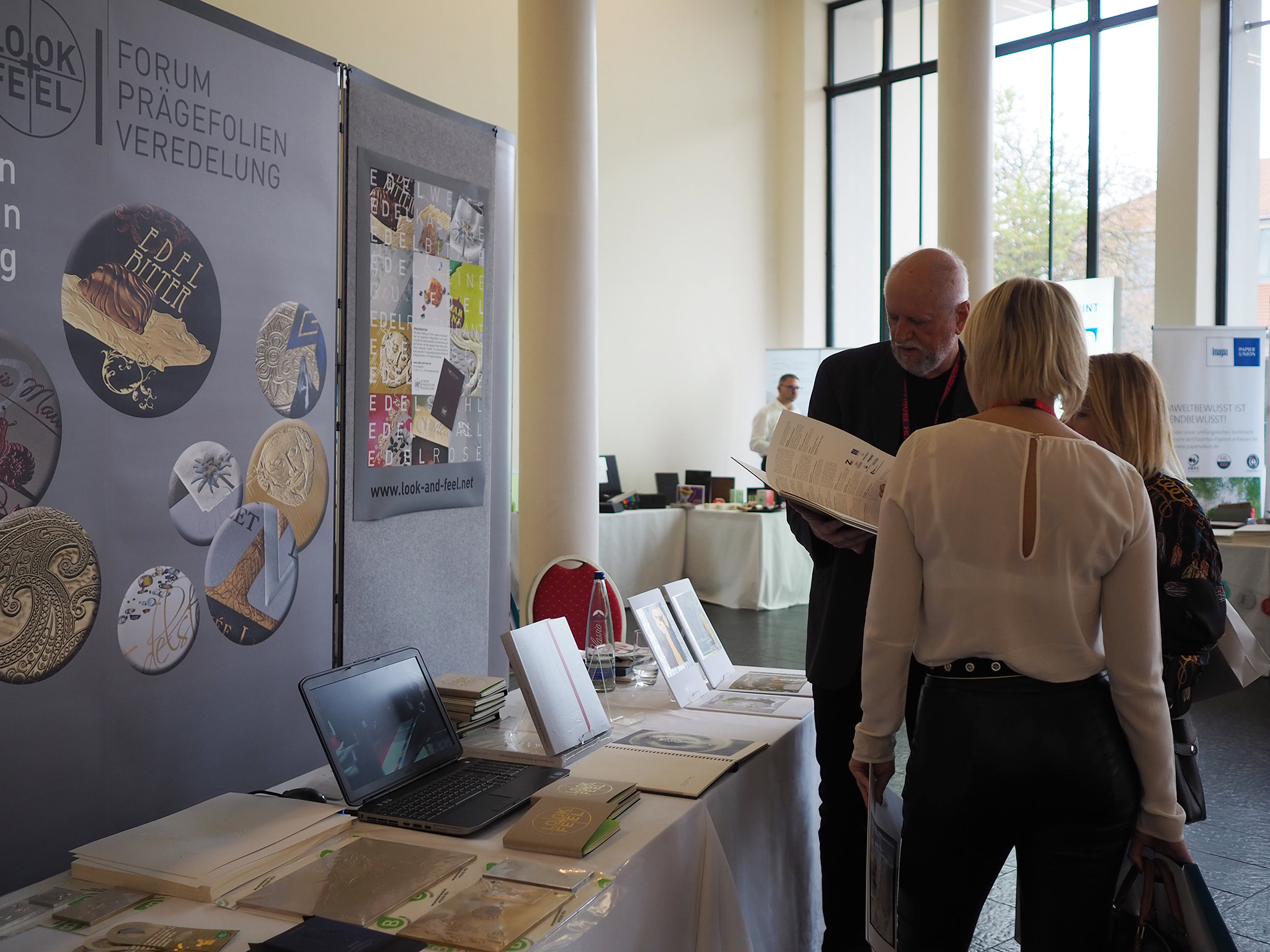 slanted-Creative-Paper-Conference-2018_56
