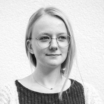 Eva-Lotta-Landskron-slanted-web