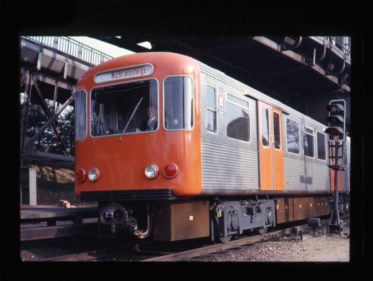 1200_Hamburger-Hochbahn-1959-1962-Entwurf-Gugelot-Entwickungsgruppe-2-D-1_0629-c-HfG-Archiv