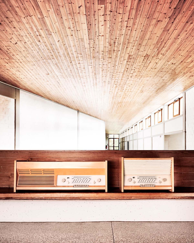 1200_Radio-und-Radioplattenspielerkombination-Gugelot-1954-Foto-Roman-Raacke