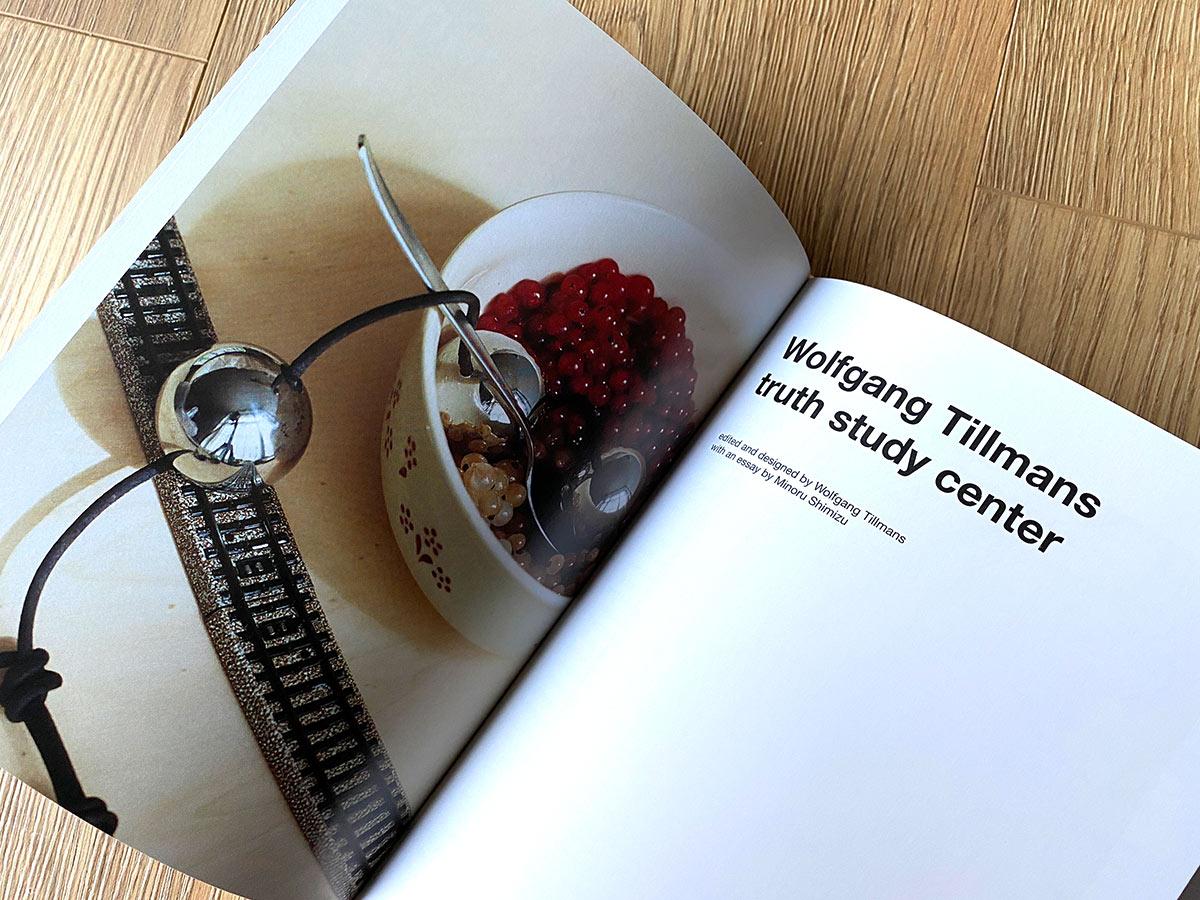 Slanted-Wolfgang-Tillmans-four-books_09