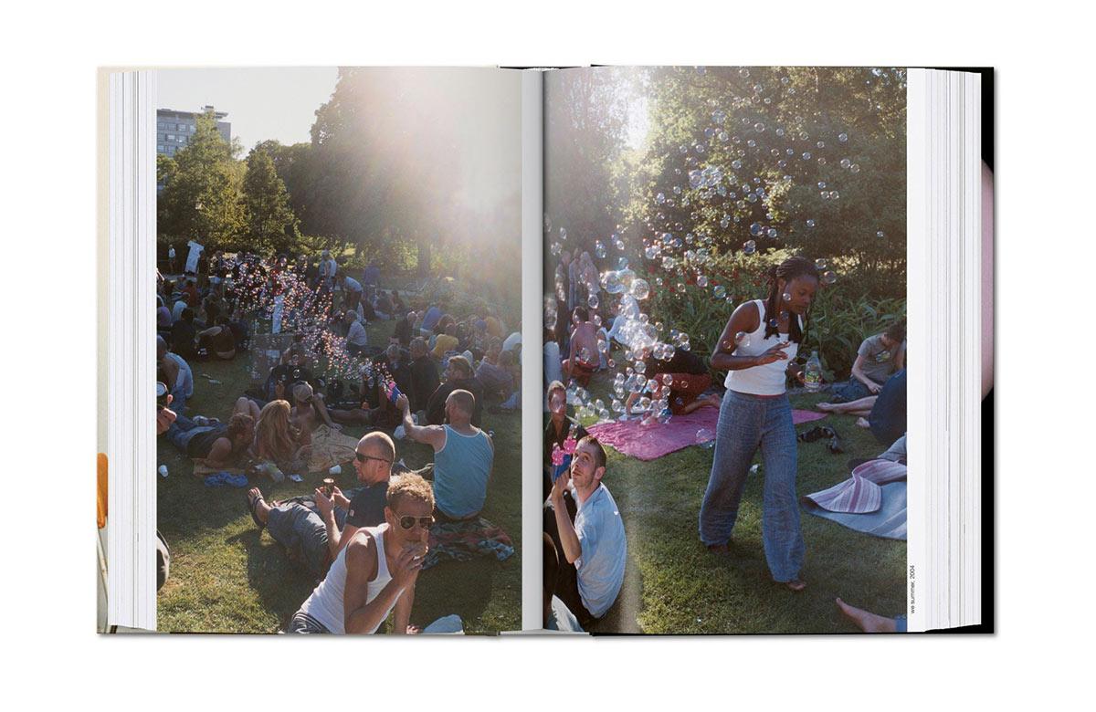 Slanted-Wolfgang-Tillmans-four-books_10
