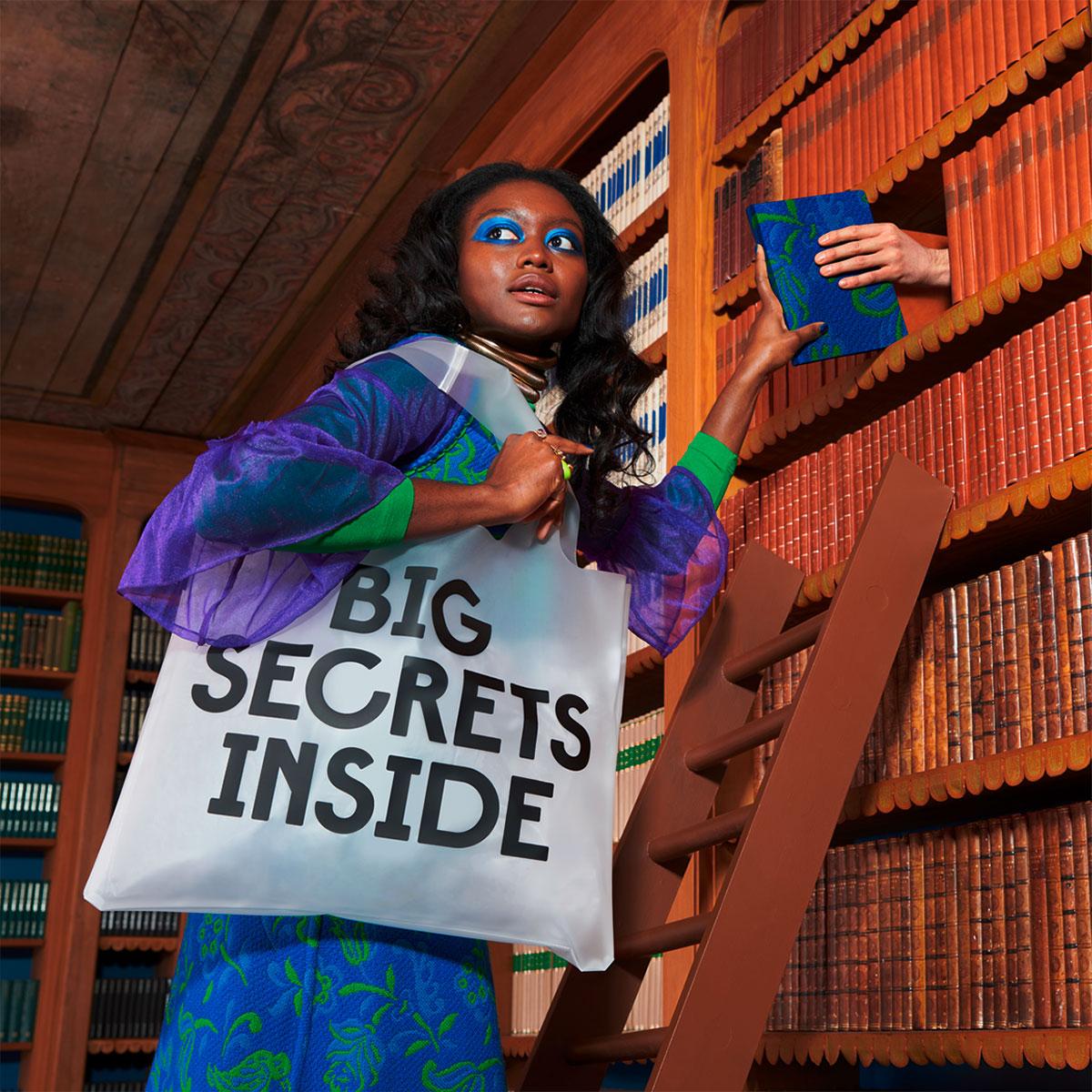 210412-LOQI-transparent-secret-and-classified-bag